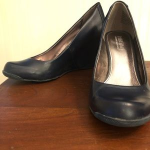 Kenneth Cole Reaction Wedge Pump